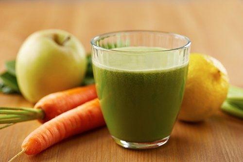 Leckerer Smoothie gegen Bluthochdruck und Cholesterin