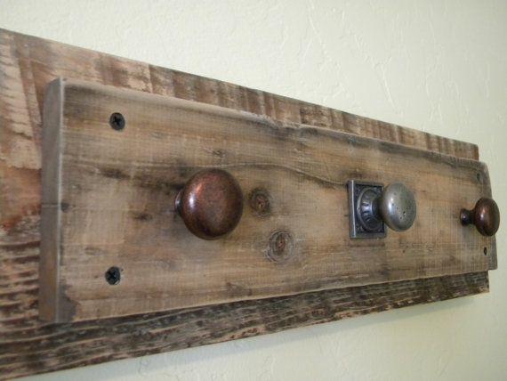 De madera rústica Granero Perchero / collar Titular | muebles ...
