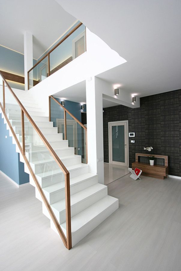 Glass stair railing ideas for modern staircase designs for Interior staircase designs