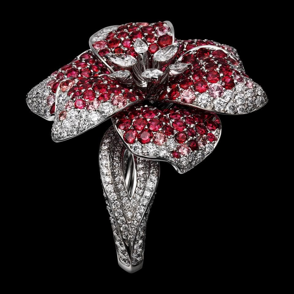 CARTIER Ring - white gold, spinels, pear-shaped diamonds, brilliant-cut diamonds