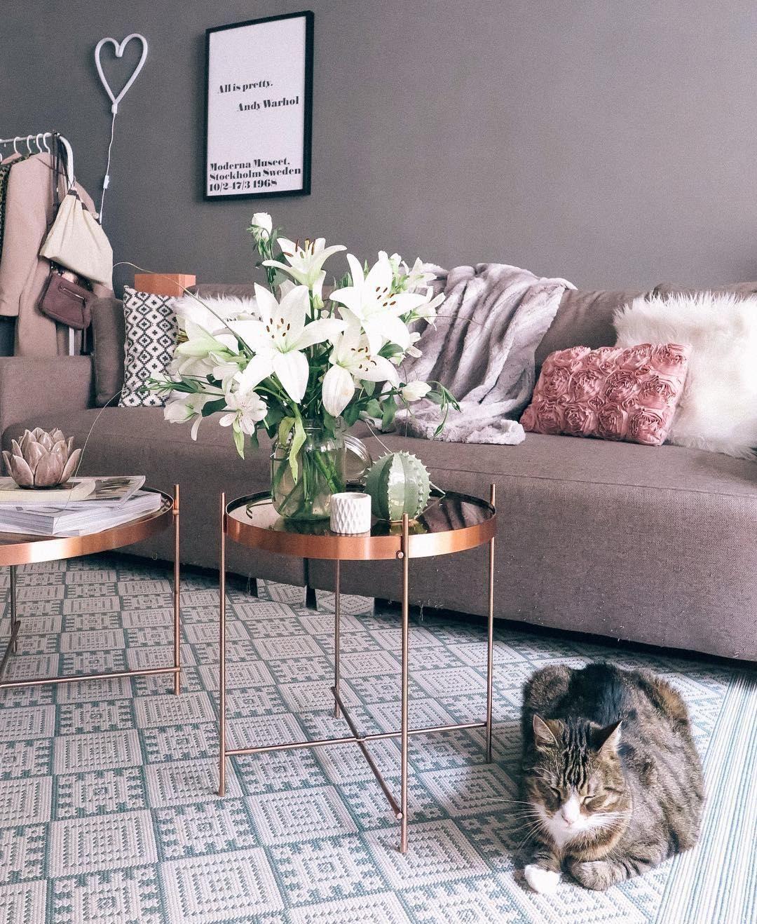 tablett tisch cupid beistelltische pinterest wohnzimmer tisch und sofa. Black Bedroom Furniture Sets. Home Design Ideas