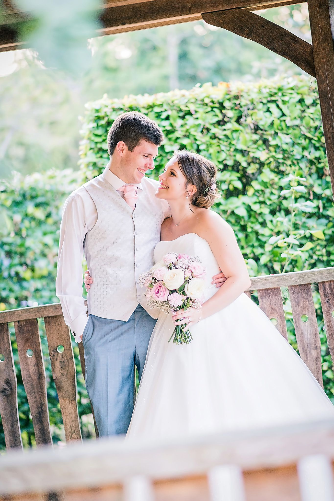 Little Silver Country Hotel wedding of Chloe and James ...