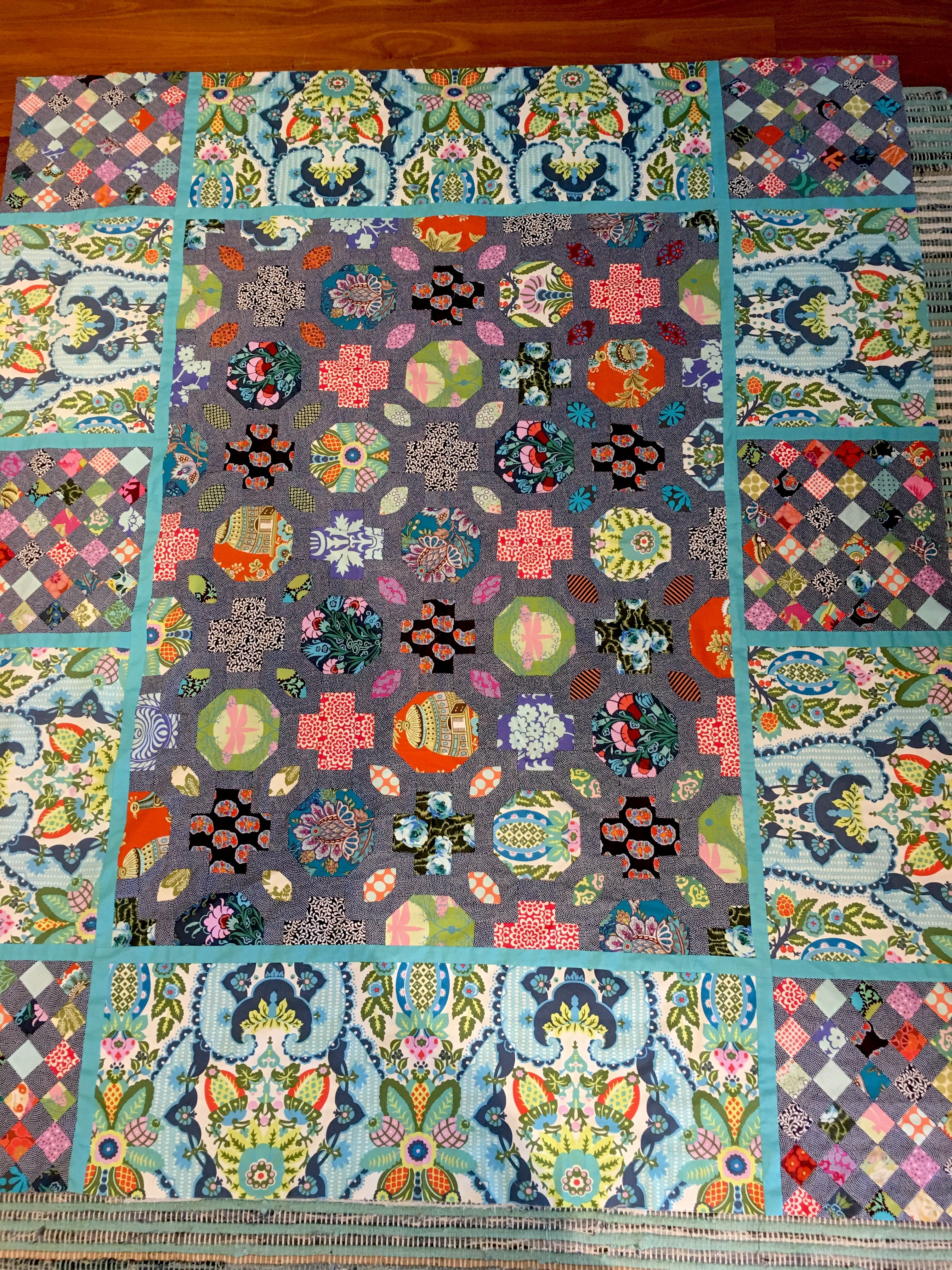 My version finally finished of Brid te Giblin s Levens Hall quilt