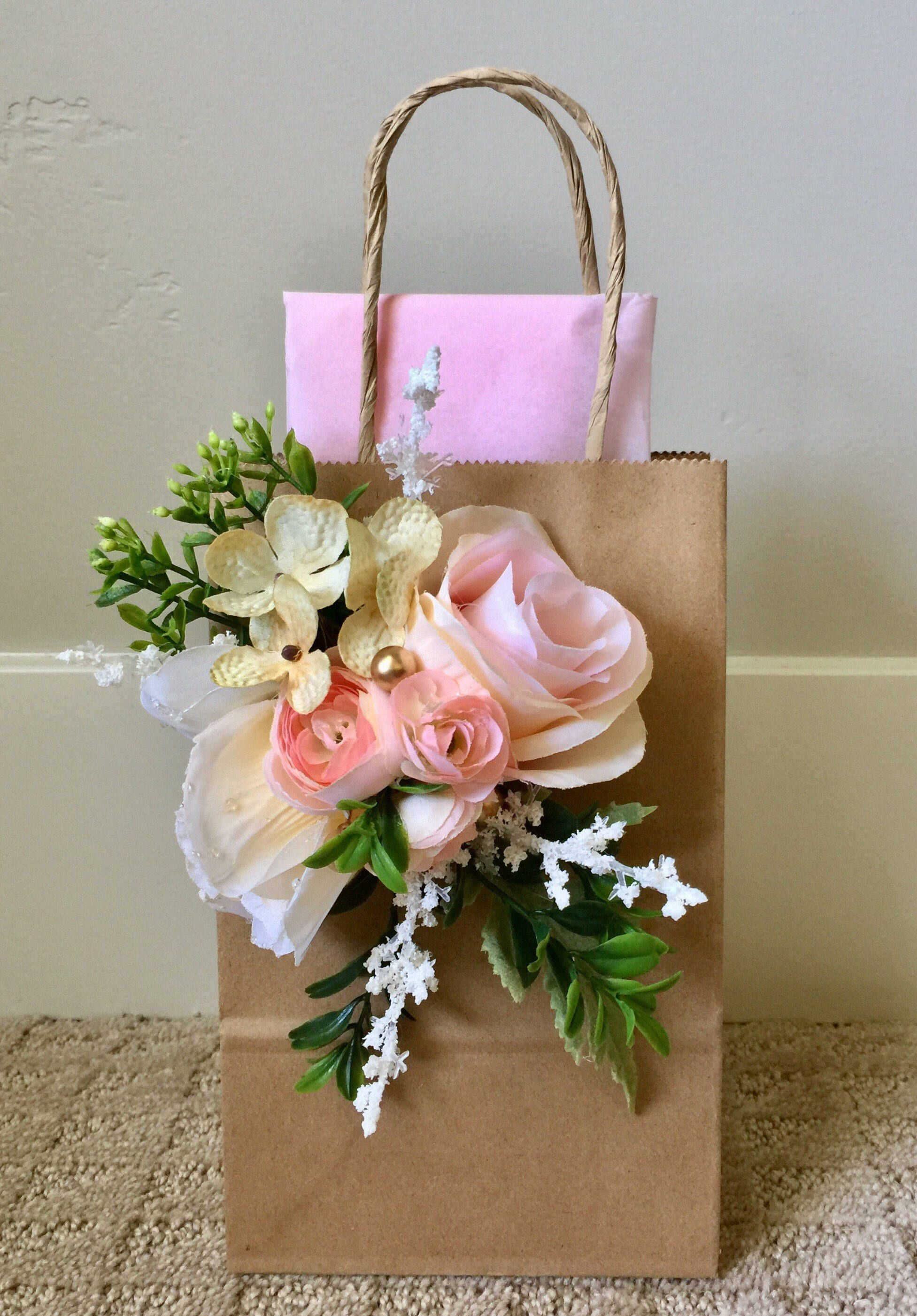 6 Piece Garden Party Pale Pinks , Gift Bags ,