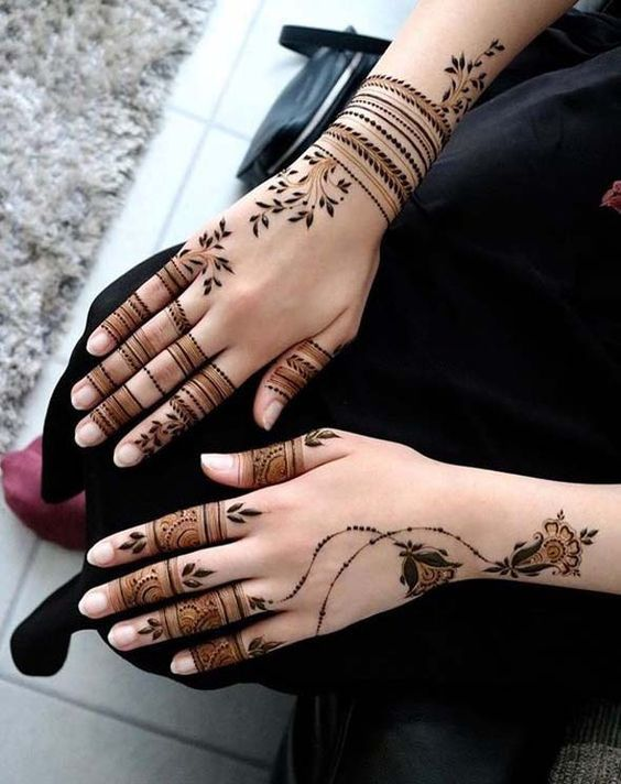 UNIQUE HENNA TATTOOS BECOME THE TREND IN SUMMER  Page 3 of 71 is part of Short mehndi design, Unique henna, Stylish mehndi designs, Unique mehndi designs, Henna tattoo, Henna stencils - In the summer when it is suitable for dew skin, the tattoo is gradually getting angry  Many girls are afraid of pain, so they choose Henna handpainted tattoos without wounds  Below, we will take a look at the Henna tattoo picture  The Henna tattoo of the summer lotus is relatively large, so it is suitable …