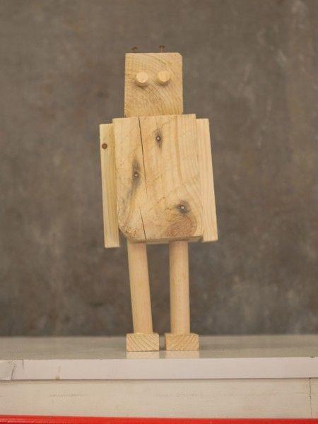 Muñeco de madera de palet - Muñeco The Handybots Robot