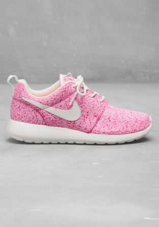 light pink roshe runs
