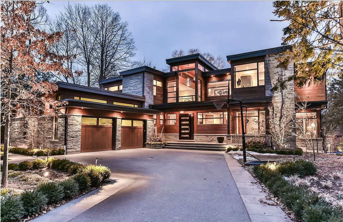 Stunning Modern Home For Sale In Oakville Ontario Oakville Modernhome Architect Houseid Contemporary House Exterior House Designs Exterior House Exterior