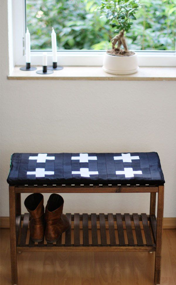 Quilted Bench Cushion Tutorial Decorating With Quilts Pinterest Best How To Decorate A Bench With Pillows