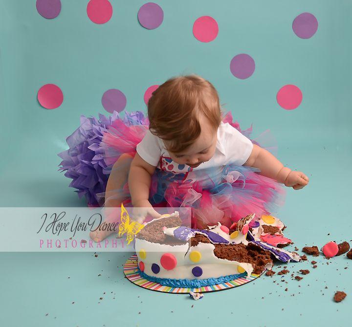 1 year old Girl Photography/ Cake smash www.Ihopeyoudancephotography.com