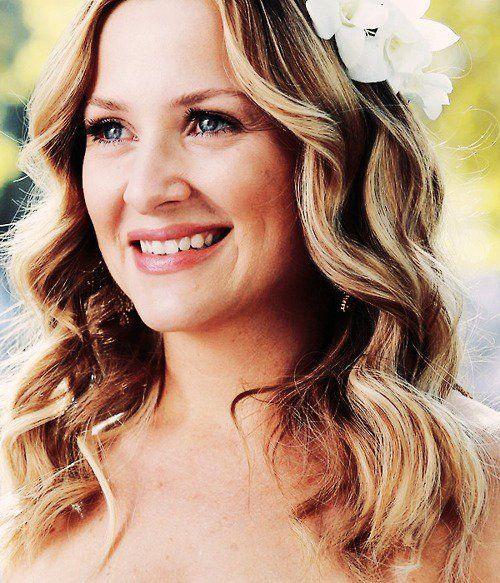 Jessica Capshaw (Arizona in Grey\'s Anatomy) probably my favorite ...