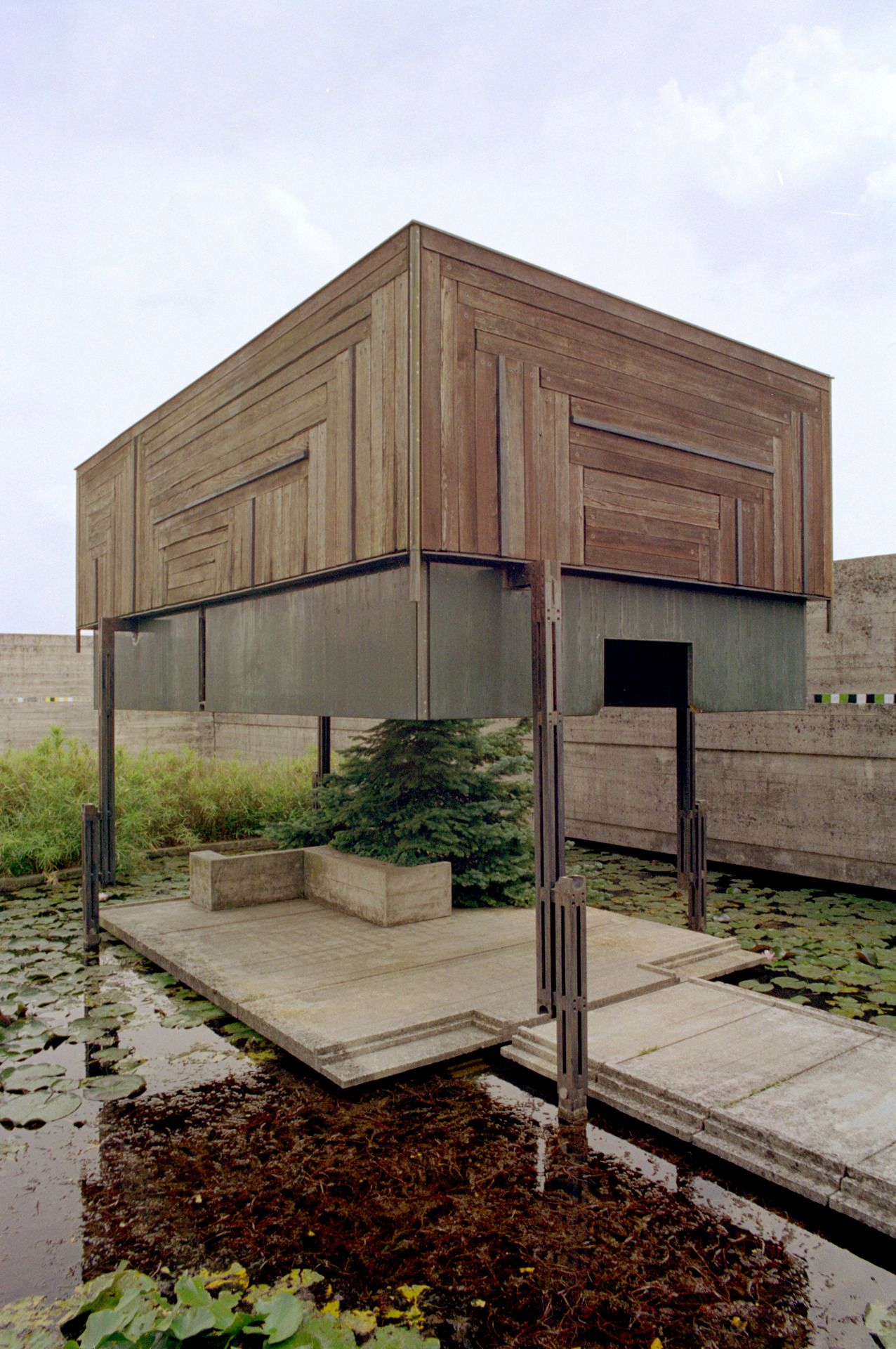Moted Pavillion Carlo Scarpa With Images Architecture Details Architecture Exterior Carlo Scarpa