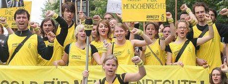 Gemeinsam gegen rassistische Gewalt in Deutschland!  Brandanschläge, Angriffe, Einschüchterungen: Deutschland erlebt aktuell einen drastischen Anstieg rassistischer Gewalt. Täglich werden Menschen angegriffen. Das muss ein Ende haben! Jetzt aktiv werden auf: https://www.amnesty.de/gegen-rassismus https://www.amnesty.de/