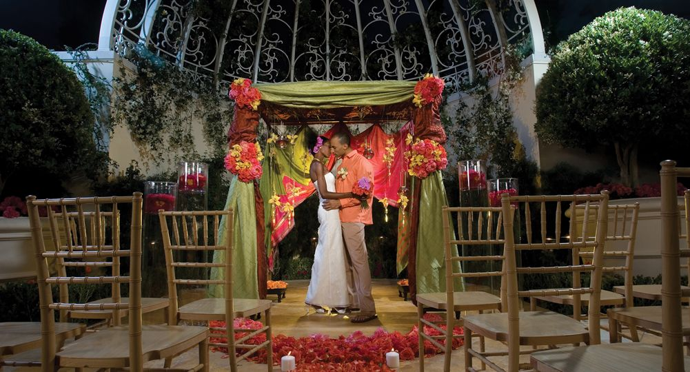 The Wedding Salons At Wynn Las Vegas Offer An Elegant Setting For You To Commit VenueHotel