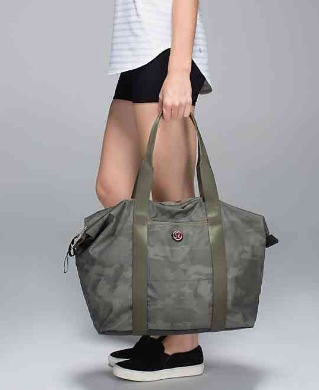 all day asana bag//savasana camo 20cm fatigue