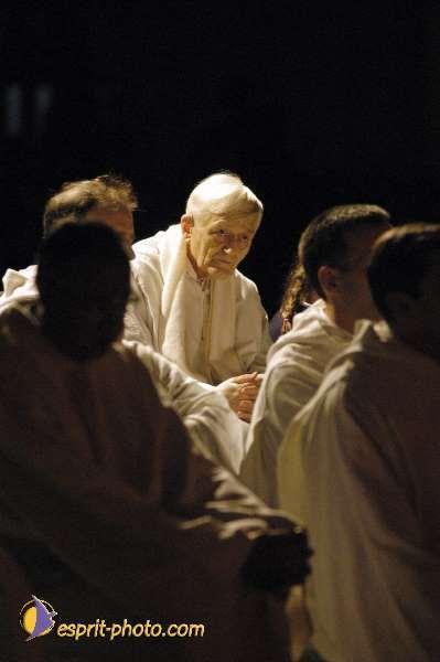 Fr. Roger. Paris Meeting 2002