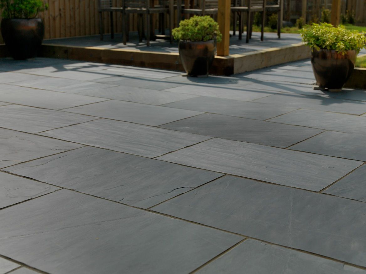 Pin By Leigh Dunlop On Slate Paving Slate Patio Patio Paving