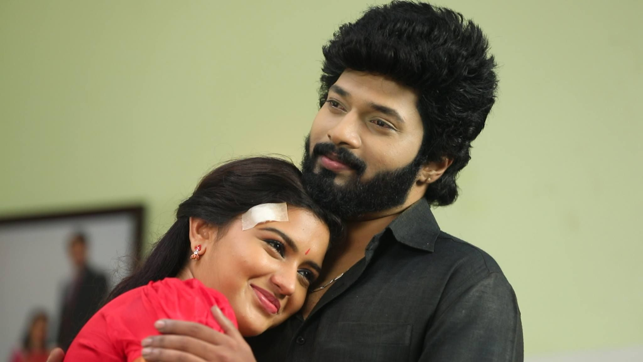 Sembaruthi Serial Parvathi Sembaruthi Serial Cast Sembaruthi Serial Rating And Latest Episode Etc Today Episode Intense Love Film Producer