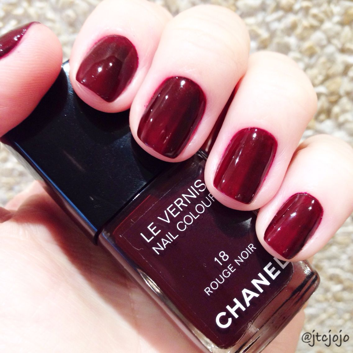 rouge noir 018 chanel nail polish collection in 2019. Black Bedroom Furniture Sets. Home Design Ideas