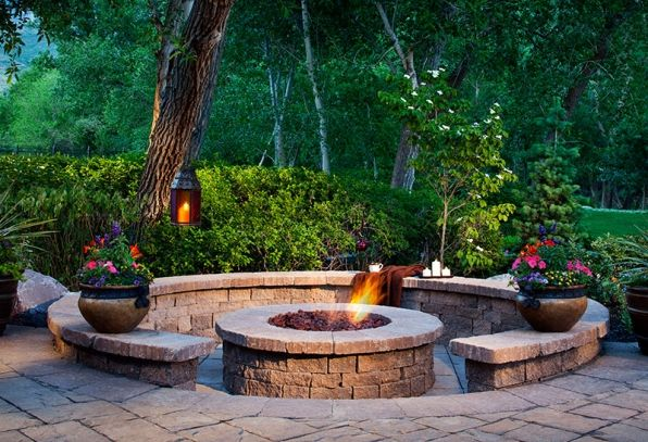 Belgard2010 Amcor Megalafitt Celtik001800px W Large Jpg 596 407 Backyard Fire Fire Pit Backyard Outdoor Stone