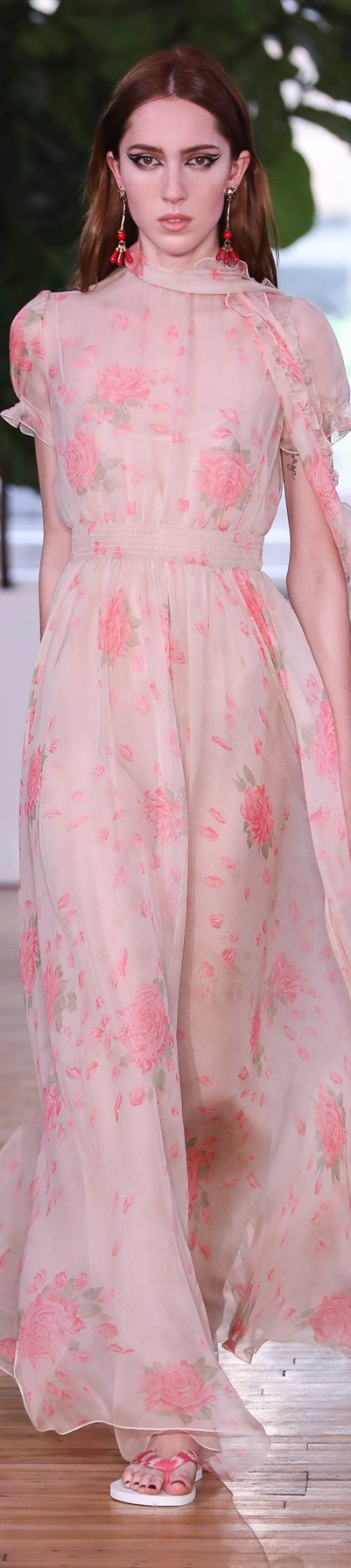 Dior cruise 2018 valentino.com