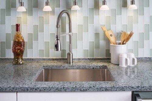 Kitchen Backsplash And Countertop Ideas ik vind die achterwand wel mooi ook de kleur !
