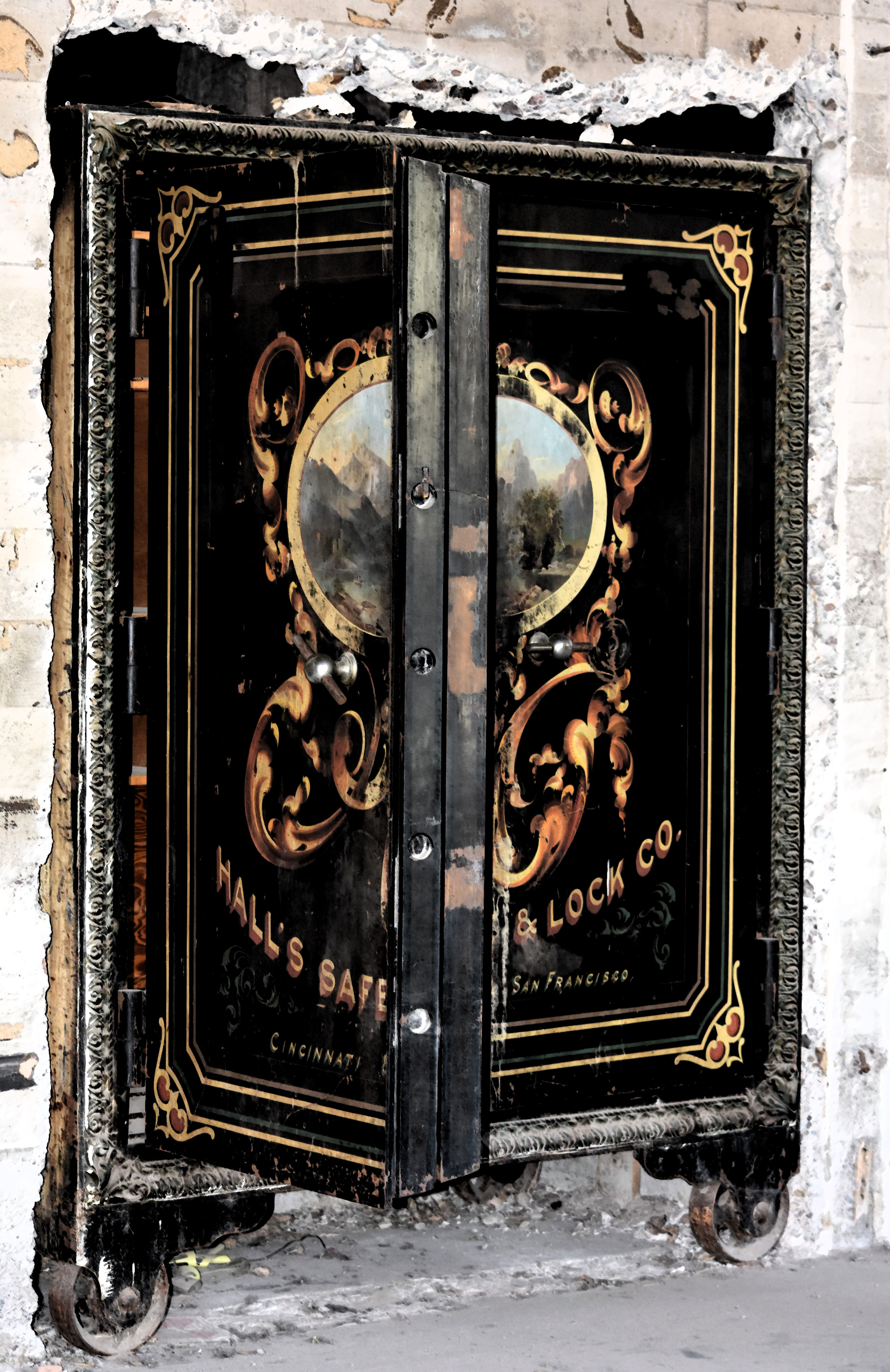Antique Safe Hall S Safe Amp Lock Company At The Hayden
