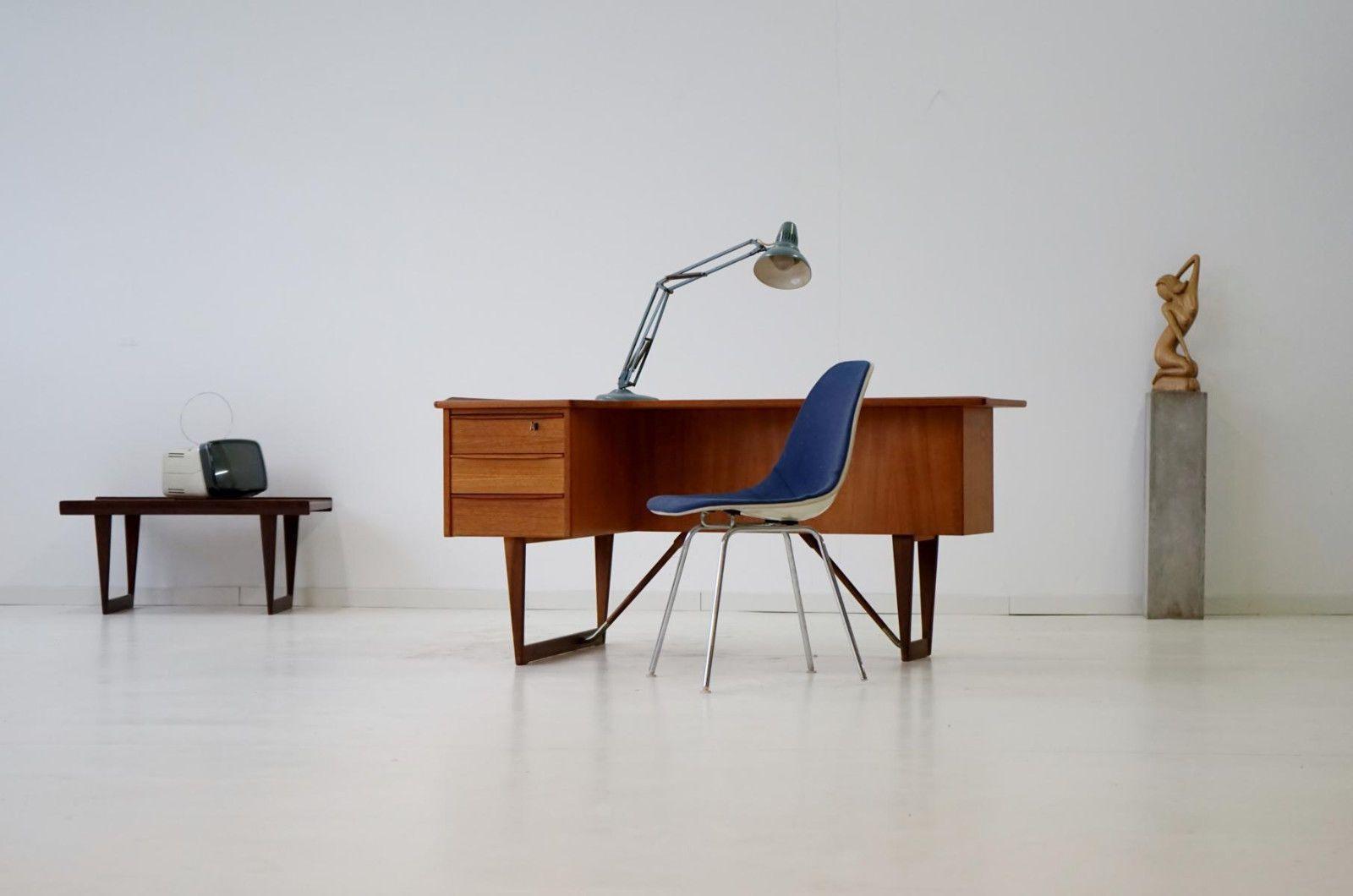 DESIGNGUT: Peter Lovig Nielsen Teak Boomerang Desk Hedensted Møbelfabrik