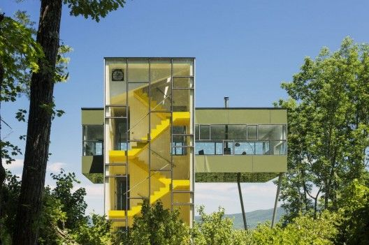 Charming The Tower House / Gluck+