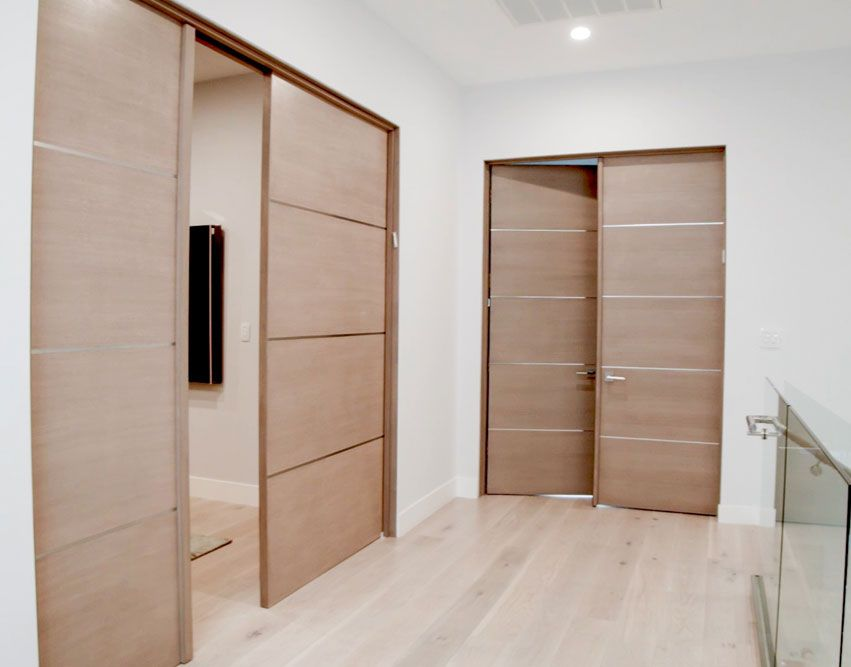 Movida Mahogany Flush Door With 1 4 Horizontal 3 Aluminum Strips 1 3 4 Interior Modern Contemporary Flush Doors Doors Interior Modern Doors Interior