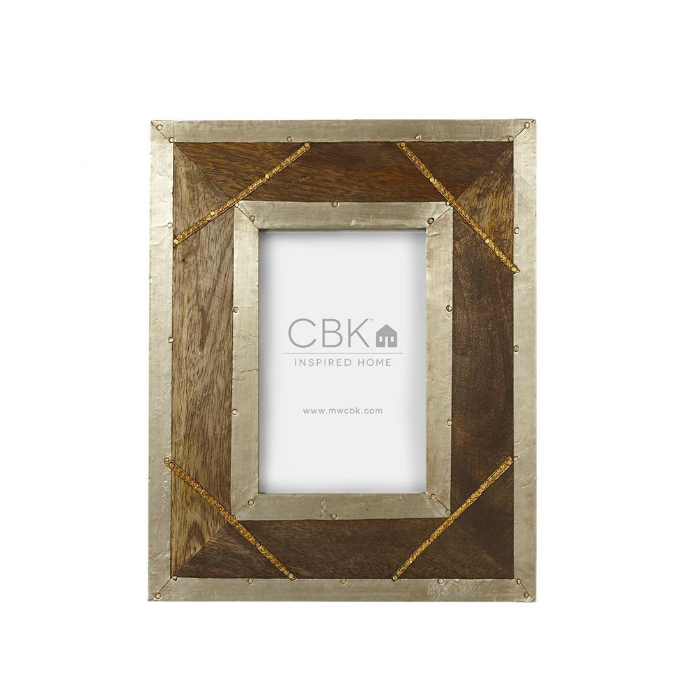 This Authentically Rustic Wood Frames Are Accented With Metal 4x6 Dimensions 8 W X 1 2 D X 10 H 5x7 Dimensions 9 W Frame Rustic Frames Rustic Wood Frame