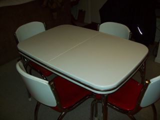 Vintage Arvin Dinette Set 1940 S Metal Table Chairs Candy Apple Red White Dinette Sets Metal Table Table And Chairs