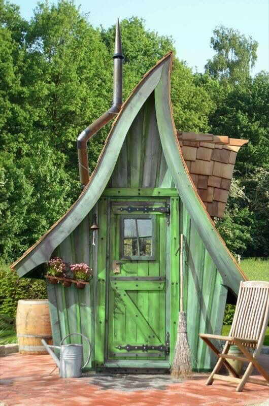 she shed or potting shed dream home ideas designs decor pinterest garten gartenhaus. Black Bedroom Furniture Sets. Home Design Ideas