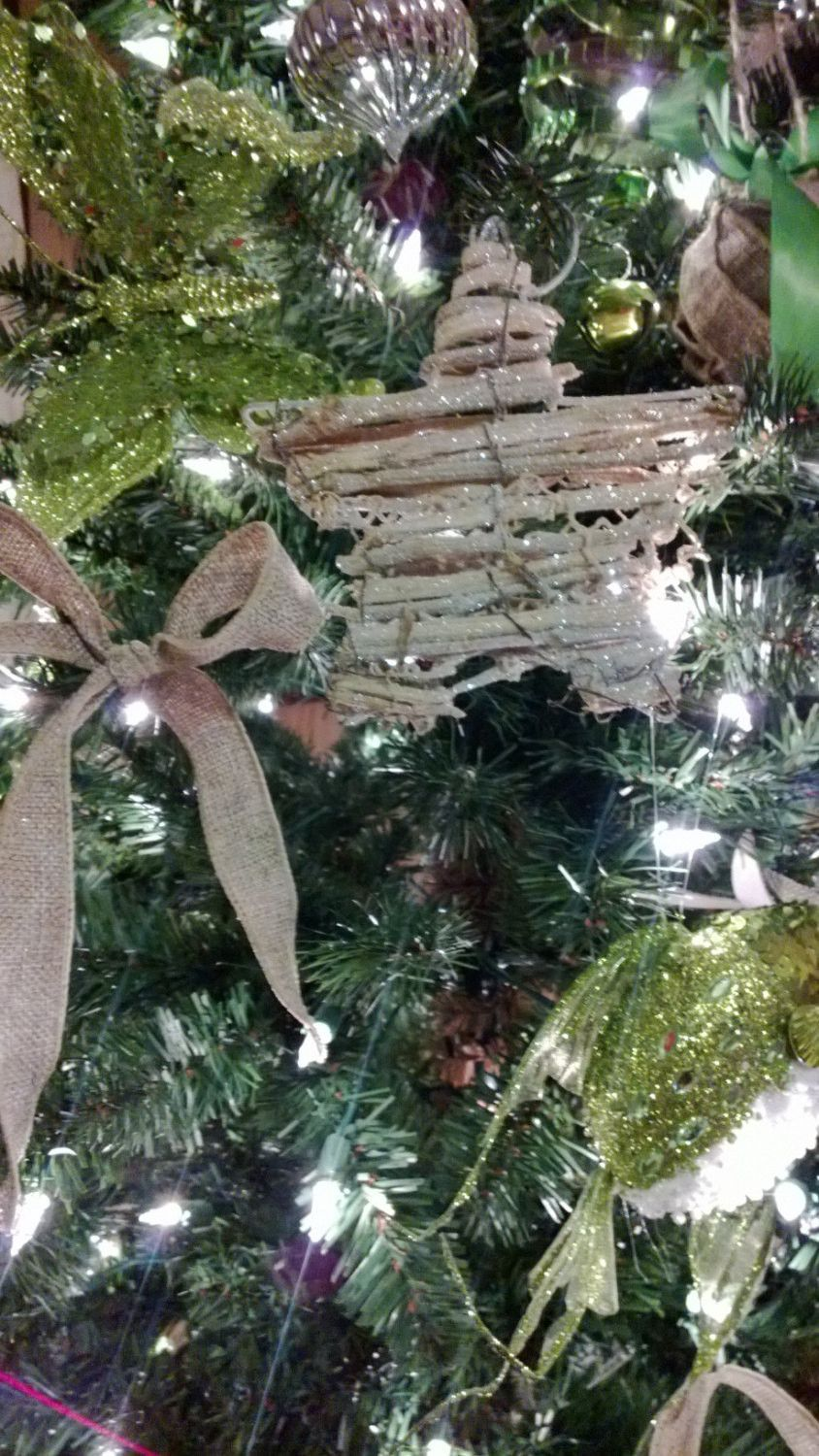 This Set Includes Six Beautiful 8in Glitter Vine Rustic Stars Perfect For Your Holiday Wed Christmas Tree Themes Rustic Christmas Christmas Decorations Rustic