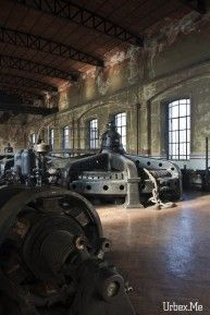 http://www.urbex.me/explorations-urbaines/industries/black-turbines