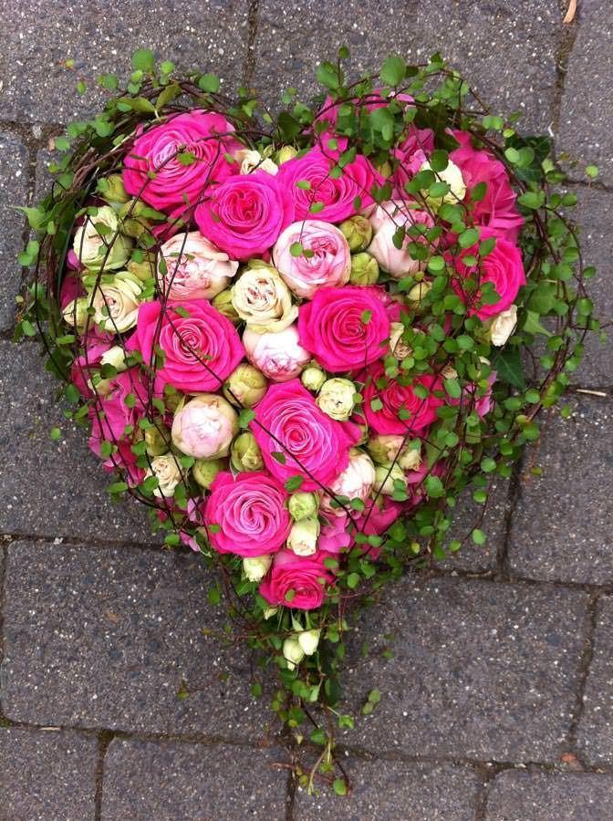 Blütenträume aus Bausendorf Trauerfloristik