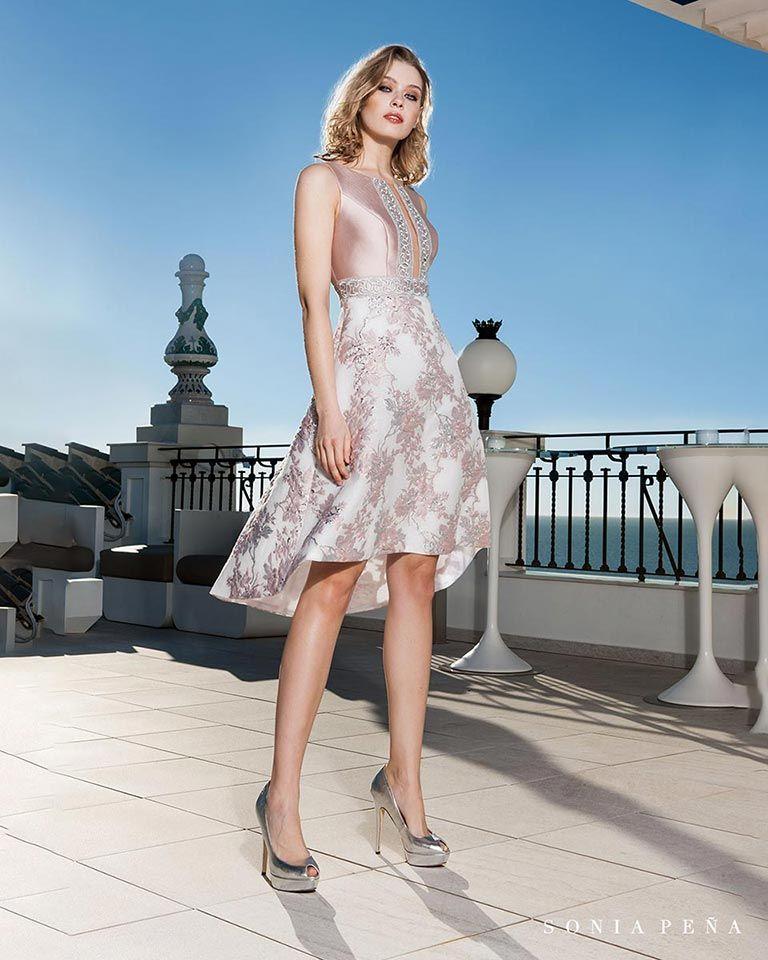 ff082902c Vestidos de fiesta 2019. Colección Primavera Verano 2019 Balcón del Mar. Sonia  Peña - Ref. 1190177 Vestido con chal