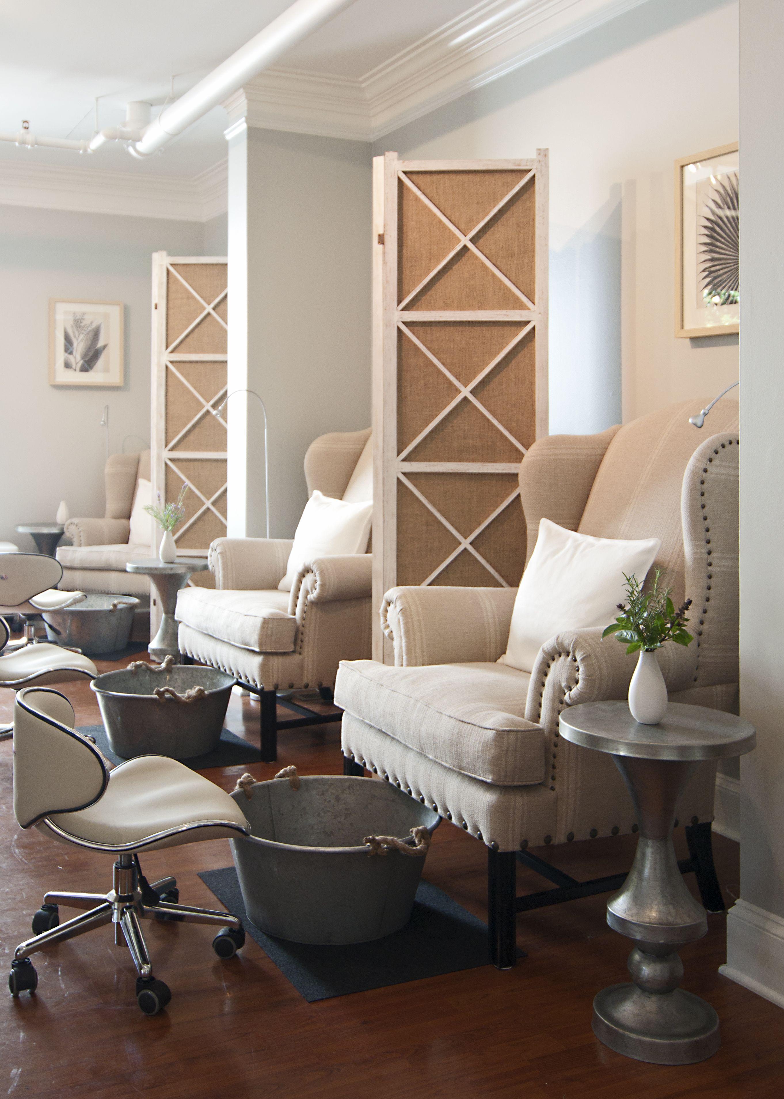 is interior design for me nail salon for me nail salon pinterest me gustan el detalle de la separacion, para la privacidad del cliente. Pedicures  are ...