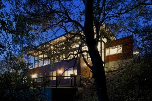 Broom Way Residence / Nonzero Architecture | ArchDaily