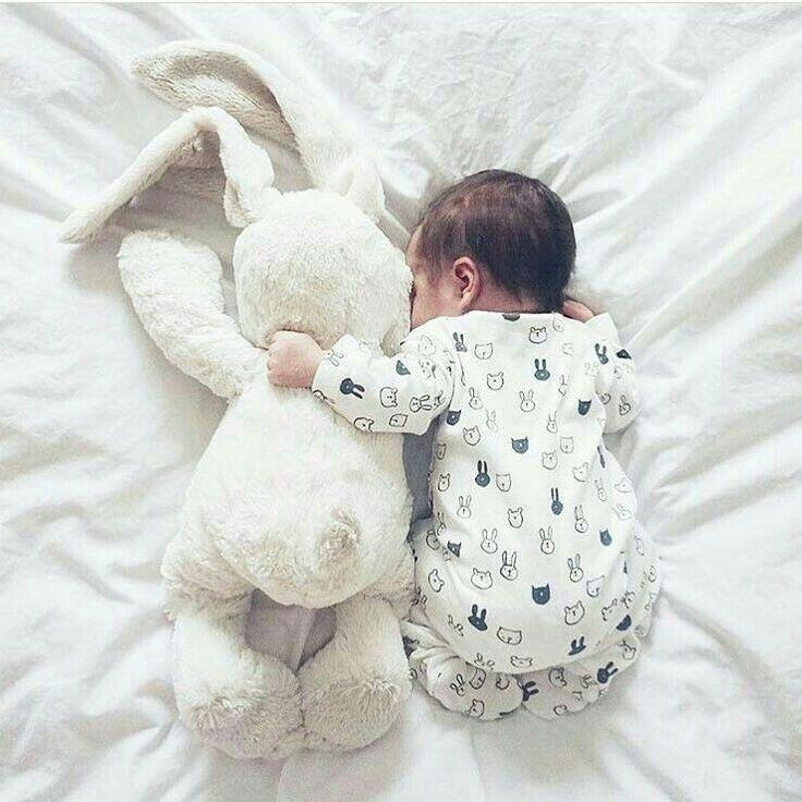 Also eine süße Idee für ein Neugeborenen-Fotoshooting mit …   – babyname