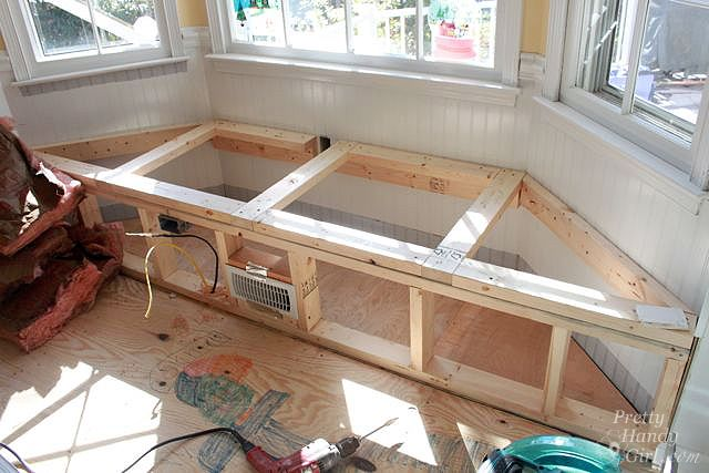 Building A Window Seat With Storage In A Bay Window Diy Window