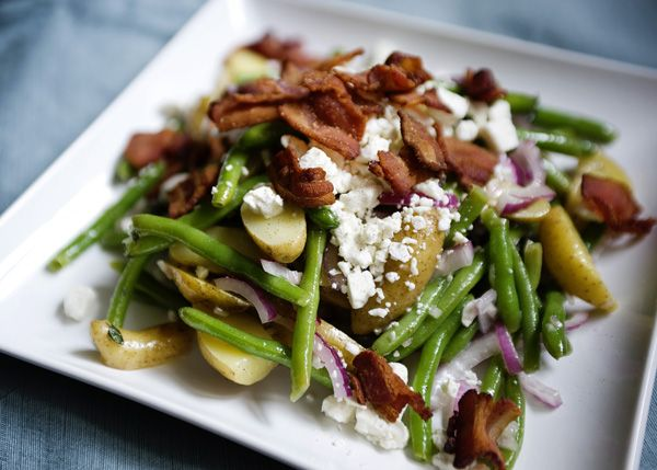 Green Bean and Potato Salad -  This salad is perfect for dinner with a piece of grilled chicken or fish on the side. #potatoes #salad