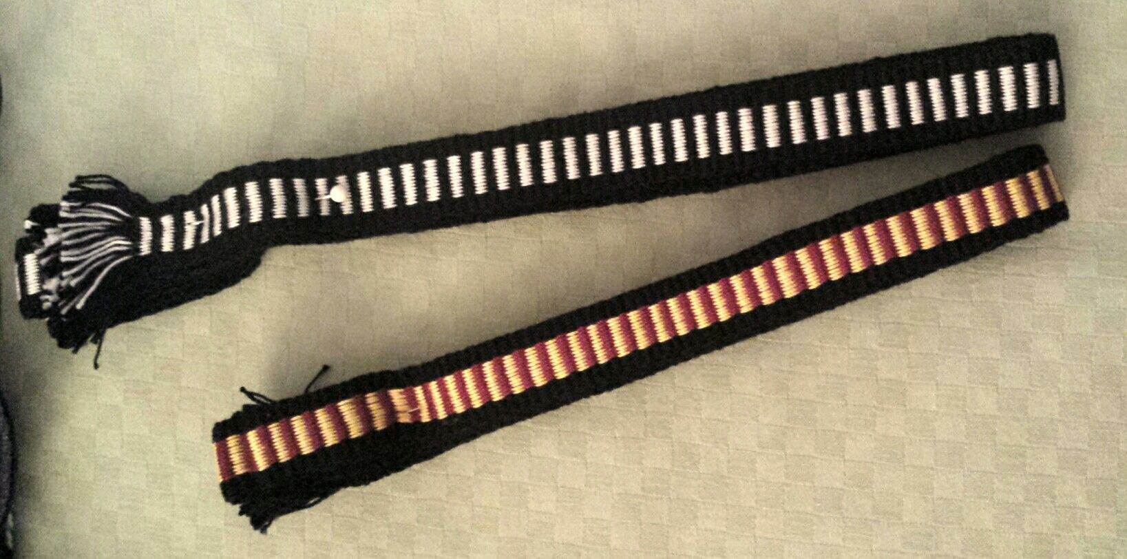 Sets of woven garders