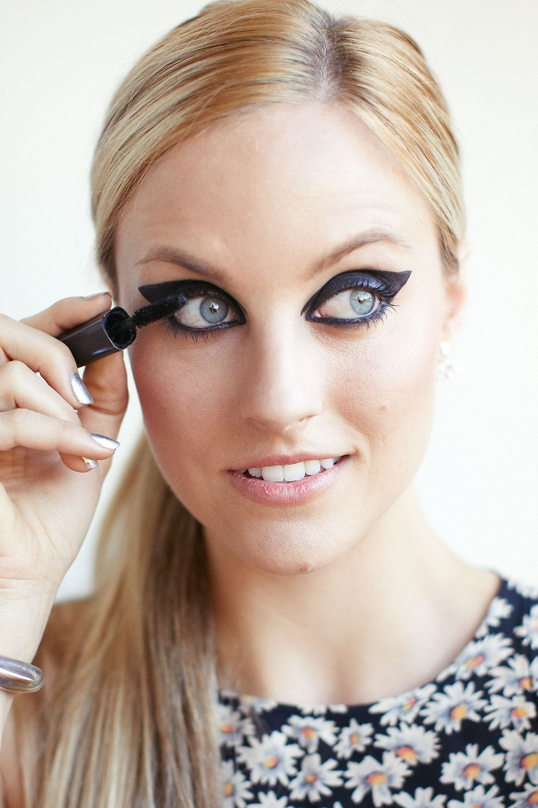 Eyeliner Tutorial How To Apply, Tips And Tricks