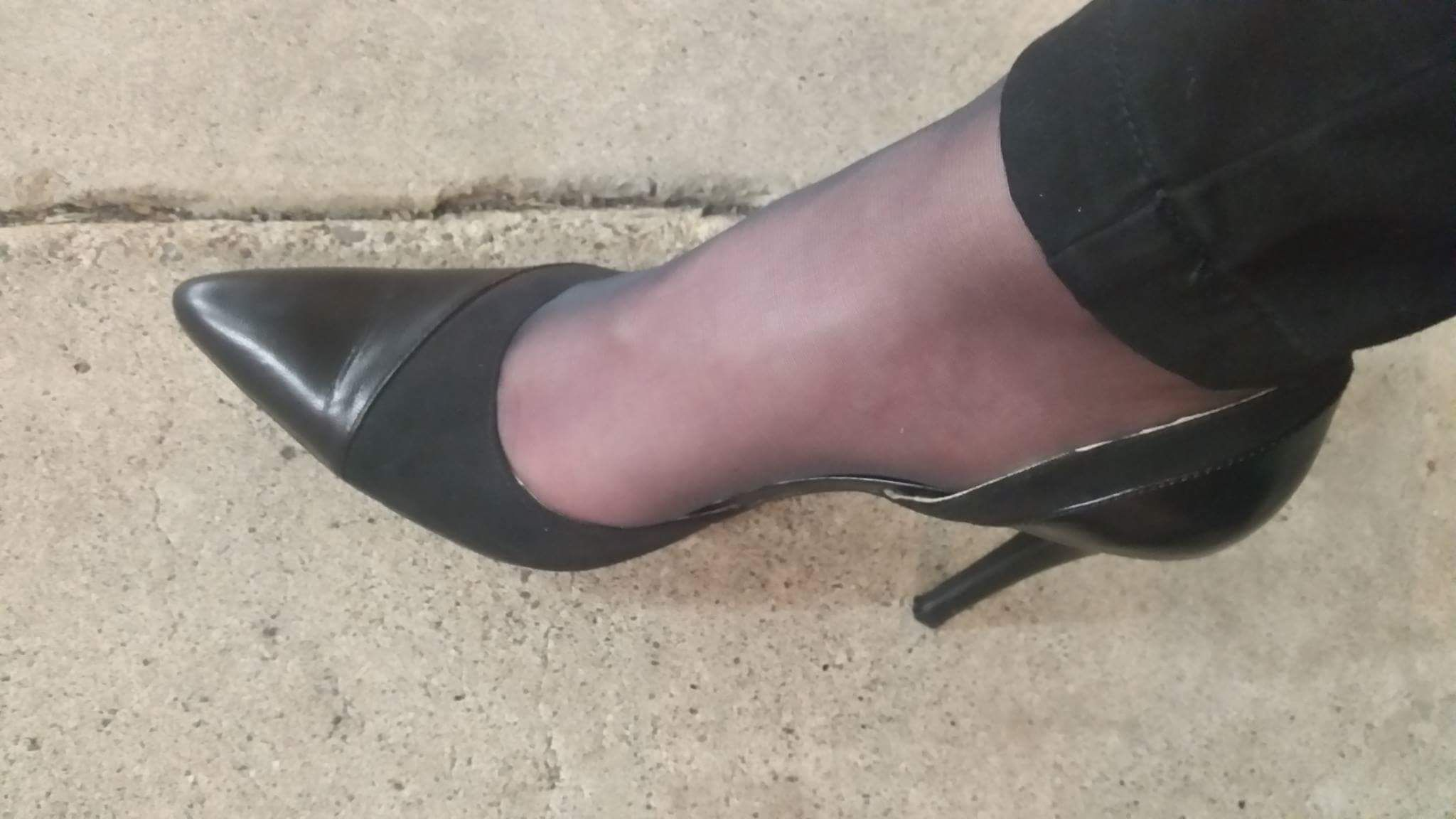 Pin By Jaspers On Tights Under Jeans Pictures Of Shoes Tights Under Jeans Heels