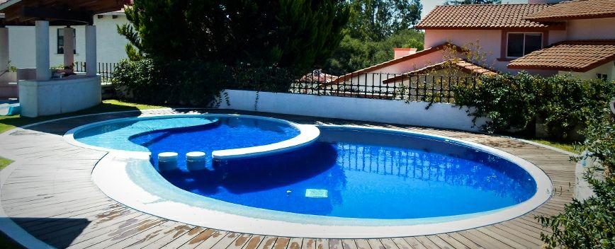 Hermoso dise o en figuras circulares que se conjugan y dan for Diseno de piscinas residenciales