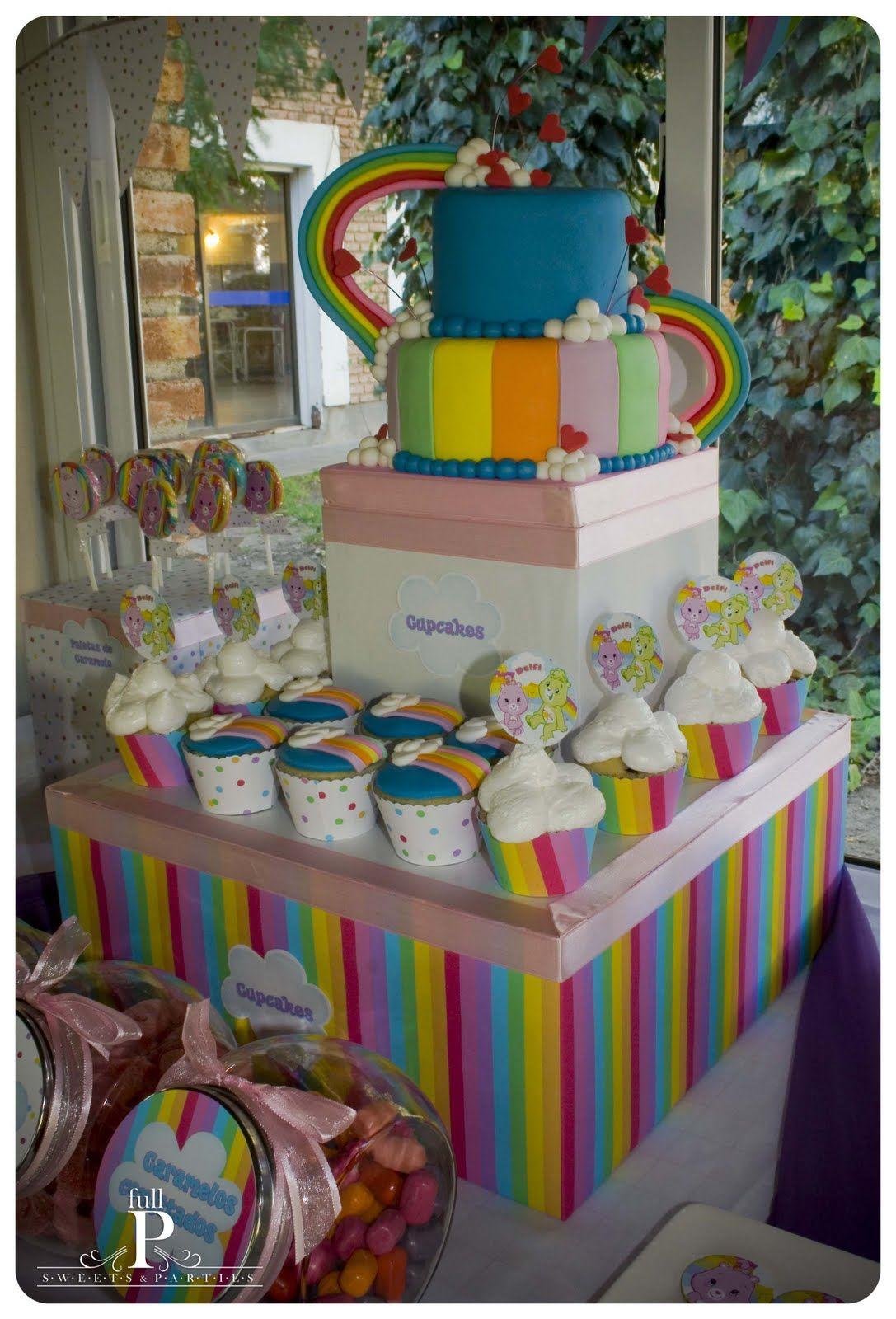 Torta diseño arco iris, para Candy Bar de Ositos Cariñosos...