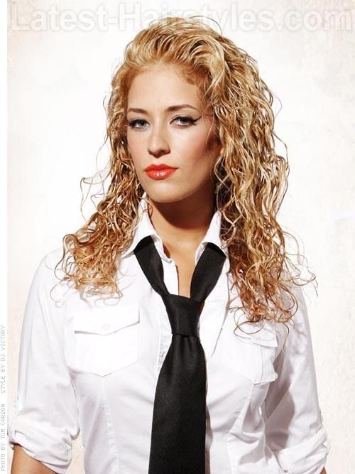 23 Cute Long Curly Hairstyles For 2020 Easy Curly Hair Ideas Curly Hair Styles Long Curly Hair Long Hair Styles