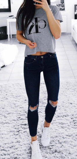 cb6f034c1530 summer outfits Grey Printed Top + Black Ripped Skinny Jeans
