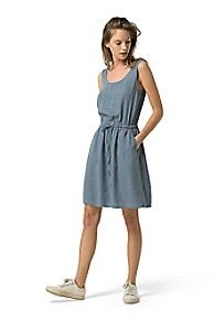Tommy Hilfiger women's dress. The easiest piece ever, this drawstring tank dress is made of fabric that drapes just like silk (with none of the maintenance). A wear-everywhere favorite, this one erases any what-to-wear worries.• Regular fit.• 100% tencel. • Falls just above knee, drawstring waist.• Casual, weekend, beach.• Machine washable.• Imported.